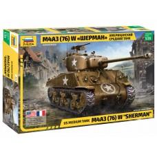 """3676 Американский средний танк М4А3 (76)  W """"Шерман"""" с 76-мм пушкой"""